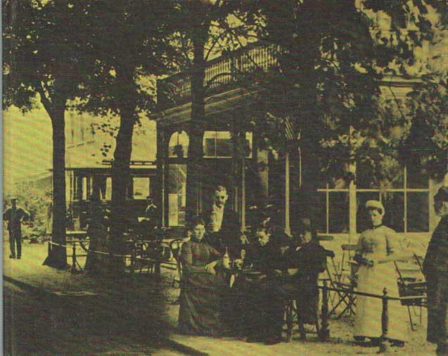 CASSEE, J.F. - Bloemendaal in oude prenten (1900-1940).